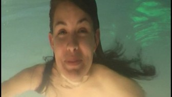 Orgasm in a PUBLIC pool - video