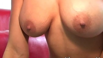 Beverly Hills takes cum on the Glasses facial