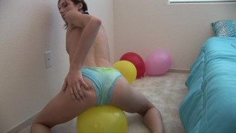 Sophie's pussy popped her balloon