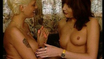 Blonde and Brunette get naked together