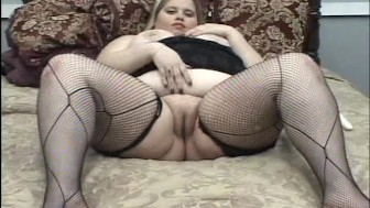 Fattractive blonde and her toy PT.1/3