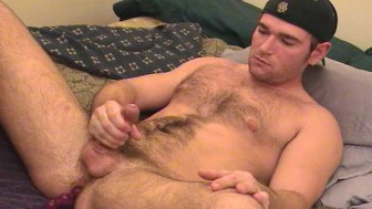 Hairy Austin gives himself a handjob