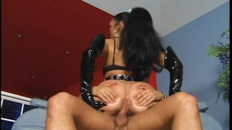 Slutty girll in black wants some backdoor action (CLIP)