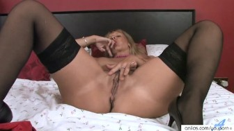 Fingering Tight Milf Masturbating