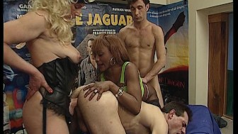 Lady and her strap-on (CLIP)