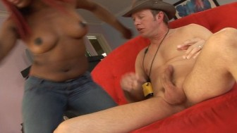 The Great White Dork gets a BJ from hot black chick
