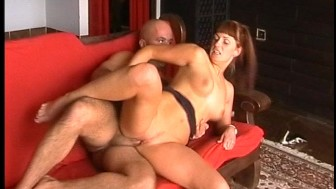 Redhead gets fucked by two big dicks (CLIP)