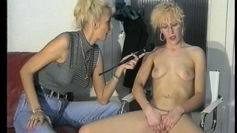 Blonde waste no time jerking herself off