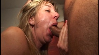 Hot MILF gets her daily dose of cock (clip)