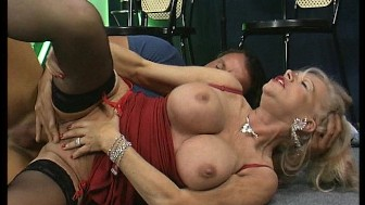 hot older woman diddles herself while black chick balls two white guys