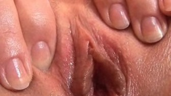 18yr old Paula Fingering Close-Up!