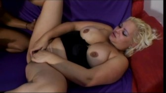 hot chubby babe loves deep anal sex