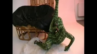 Glamourstar strip like a flexi snake (movie)