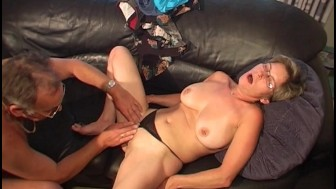 Horny old couple oral sex