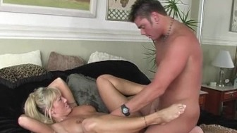 Horny chick calls a guy up for sex