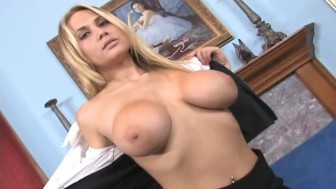 Smoking hot amateur blonde striptease