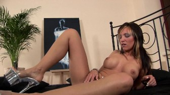 Milena gets off with her fingers - CzechSuperStars