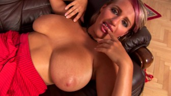 Super MILF Westy - CzechSuperStars