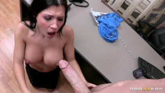 CHEATING BIG TIT & ASS LATINA MILF WIFE SLUT CAUGH