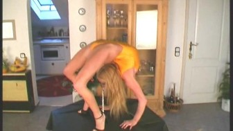 Gymnast Girl Karen posing flexible