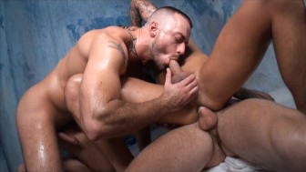 GayRoom Bangin' in the Bathhouse