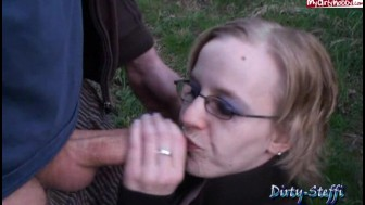 Hot blonde giving a hot outdoor blow job and deepthroat