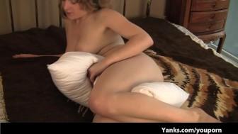 Big Boob Teen Pussy Fucks a Pillow