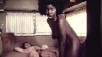 Vintage Interracial Porn 1970s - Ebony Girl Fucks