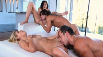Passion-HD Young Swingers Sharing The Fun