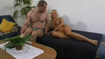 Hot amateur girlfriend homemade action with cumshot