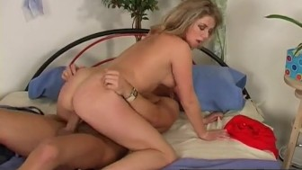 Blonde With Long Hair Gets Fucked And Gets A Pearl Necklace