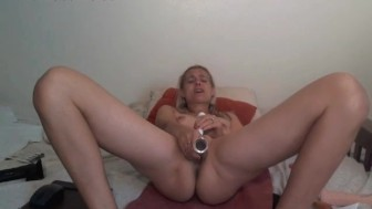 Little Tits MILF Squirting