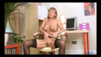 Sexy stockings milf craves sex