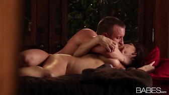 Beautiful naturally sexy Holly Michaels is seduced