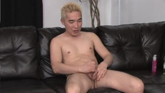 Asian Blondie Is All Alone - Mavenhouse