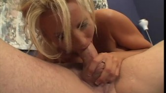 Naughty MILF Loves The Taste Of Cum - X-Worx