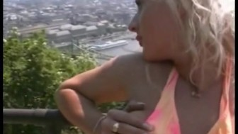 hot chick pissing