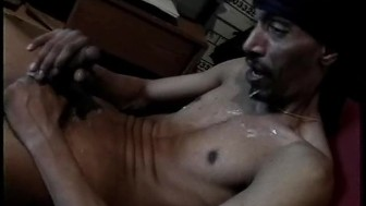 Thugs jerking off their black cocks - Encore Video