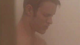 Stroking his dick till he cums in the shower - XP Videos