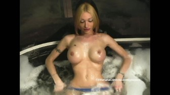 Hot tun jerk off