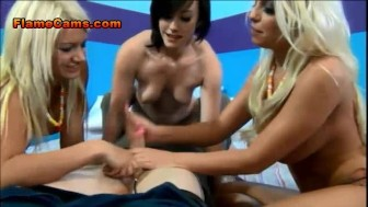 Foursome Handjob And Face Sitting