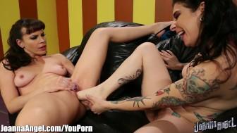 JoannaAngel Lesbian Feet Pussy Fucking