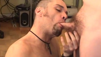 Practically gagging on cock - Twisty's