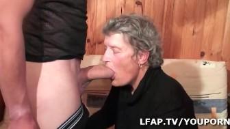 La vieille mamy defoncee et fistee par un jeunot