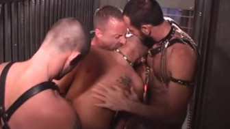 Guy interrupts kinky gay action - Daddy Oohhh Productions