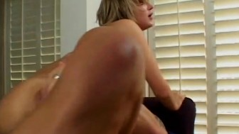 Teen blonde gets her mouth creamed - Shock Wave