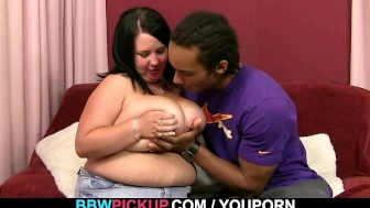 He picks up chubby girl for some oral fun