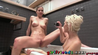 Girlfriends Lesbians have hot pussy eating sex in the bath