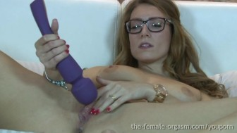 Hot British Babe Masturbates Her Clit To Orgasm