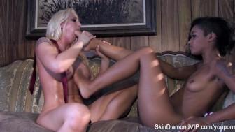 Skin Diamond's Sexy Hot Lesbian Fuck